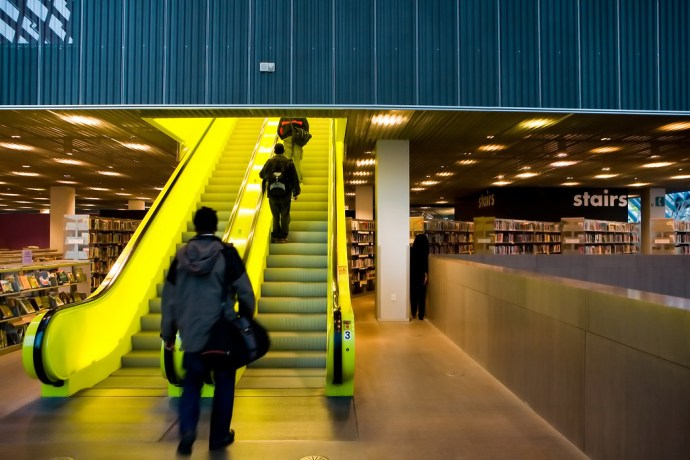 Yellow in Seattle Central Library (by Phanix)