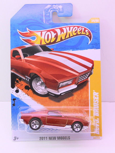 hot wheels blvd. bruiser (1)