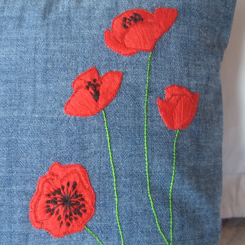poppies close