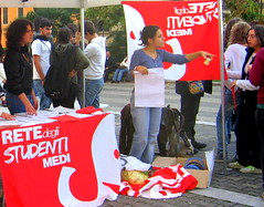 gazebo informativo in piazza garibaldi