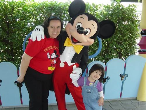 Bethany and mummy with Mickey