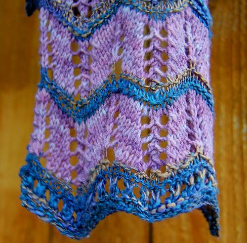 08-25-scarf-close