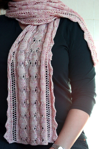 * Very pretty scarf from Grumperina!