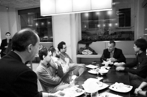 Stephen elop meets the bloggers