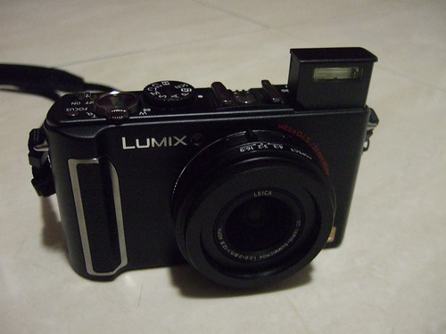 LX3 with built-in flash