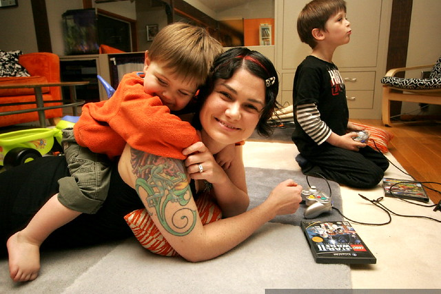 Co-playing video games can benefit kids (Source: Sean Dreilinger)