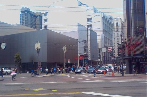 Lines for iPhone in SF