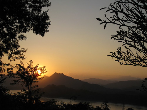 Sunset over the Mekong from Phu Si hill