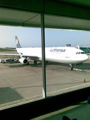 A340-300 Lufthansa - de lado