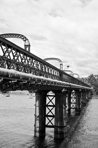 Como Railway Bridge, Oatley