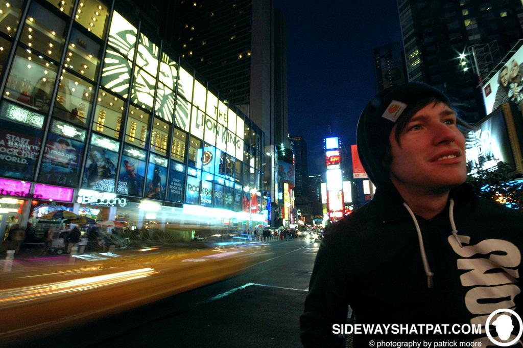 NYC08D2_times_sq_tyson-032