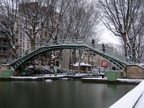 Snow at the Canal Saint-Martin.