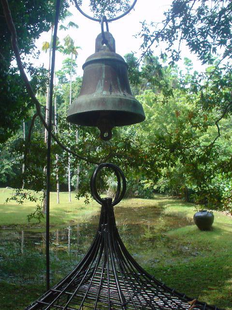 Lunuganga bell over well