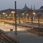 Bahnhofshalle, abends