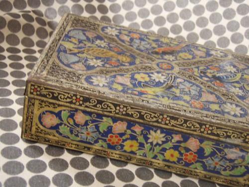 persian carpet tin