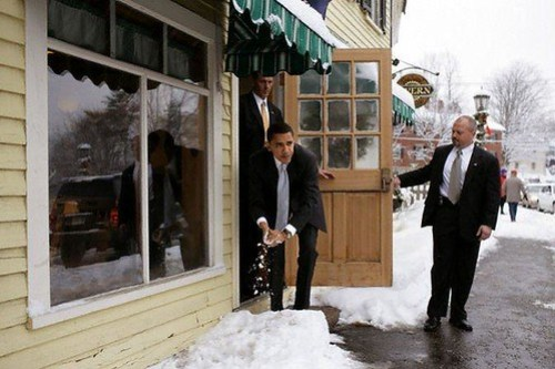 Obama Snowball Fight