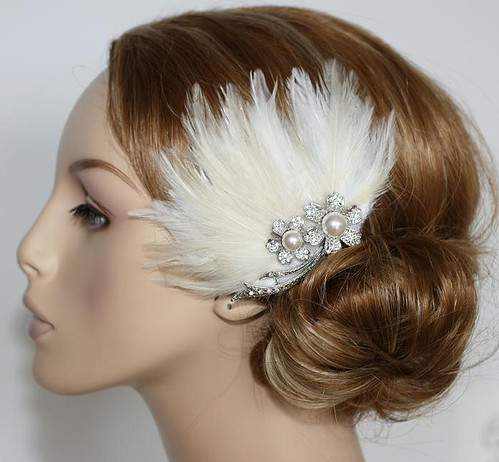 PORTOBELLO Yasmin rhinestone cream fascinator head piece
