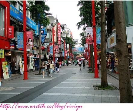 [旅遊.台北]西門町逛一圈~遇見黑澀會老大 @VIVIYU小世界