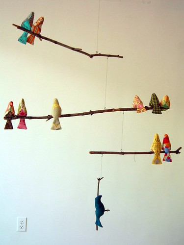 Spool bird mobile