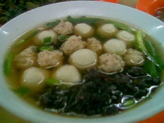 SP fatt choy soup with fish and meat balls