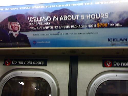 Anuncio de Iceland Air en el metro de Nueva York