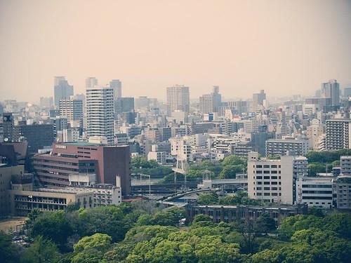 오사카성 천수각에서 내려다본 오사카 시내.