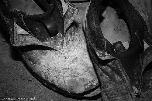 """Zapatos • <a style=""""font-size:0.8em;"""" href=""""http://www.flickr.com/photos/20681585@N05/2678889656/"""" target=""""_blank"""">View on Flickr</a>"""