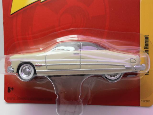 johnny Lightning 1951 hudson hornet cream (1)