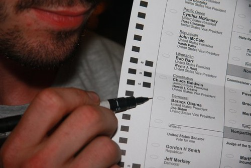 joel votes for O