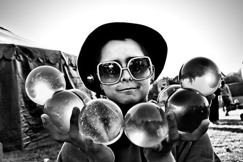 Helene Multiball Contact Juggling