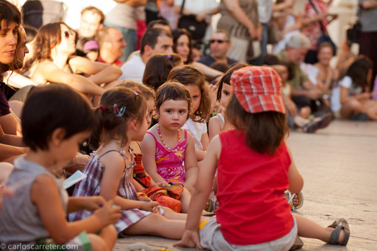 Público en la plaza de la Seo