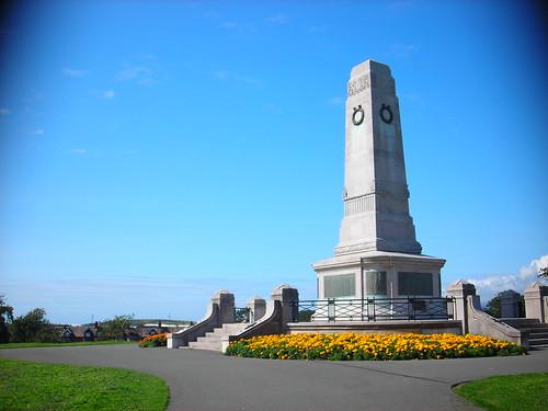 Cenotaph, Barrow Park
