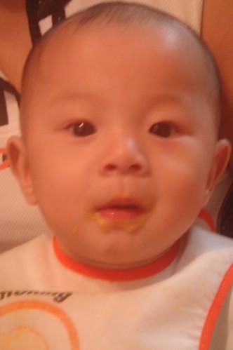 吃紅蘿蔔與馬鈴薯泥 2