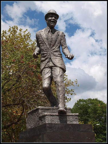 Mr Bojangles Monument by Brooklyn Bridge Baby.
