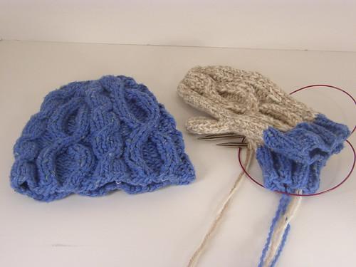 unoriginal hat & mitten