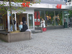 H&M - place to sit