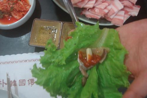 韓國鐵板烤肉五花肉吃法 3