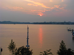 23 - Sunset at the National Harbor - 20080726