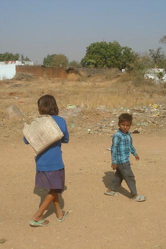 Khajuraho 路上1-27鄉下�要去上�