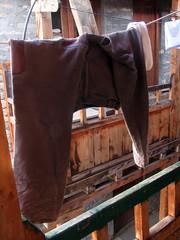 Los pantalones que dejé en Manang... primera baja del viaje