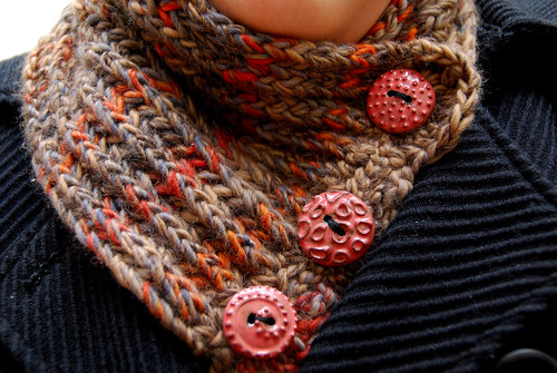 Swirl Neckwarmer I - Close up