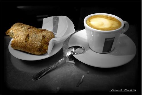 Cappuccino e cornetto, prego! - Foto di Emanuele Sbardella