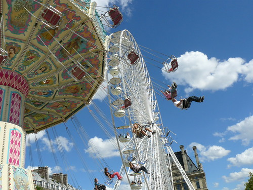 Ferris wheel and merry-go-round at Tuileries gardens