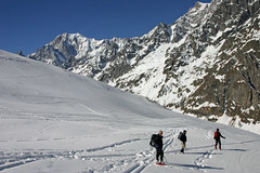 Snowshoeing above Refugio Walter Bonatti