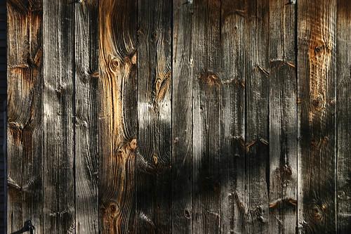 barn details