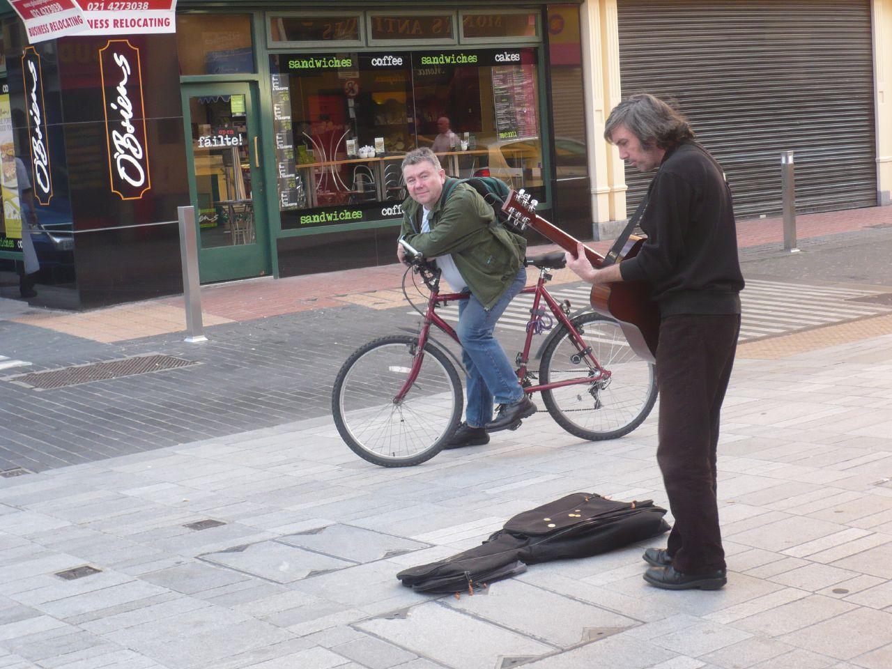 cantando en la calle de Cork, una tarde cualqiera