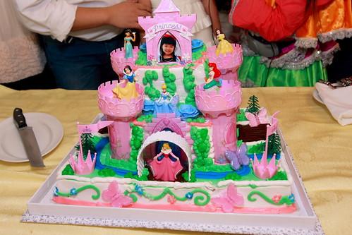 我們的城堡蛋糕! - 生日聚會 - Baby Kingdom - 親子王國 香港 討論區