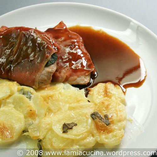 Saltimbocca Romana mit Kartoffel-Apfel-Salbei-Gratin