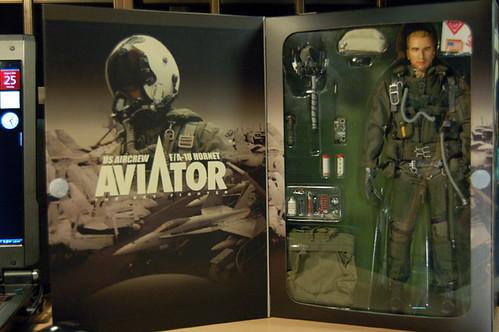 Hot Toys Aviator F18 Hornet