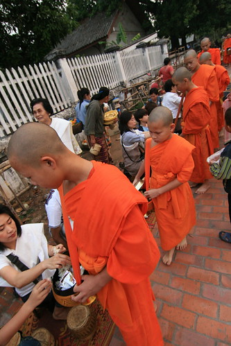 Procesion de monjes